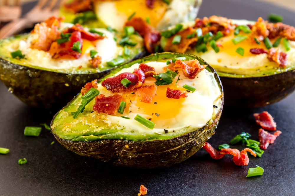 Baked avocados with bacon and eggs